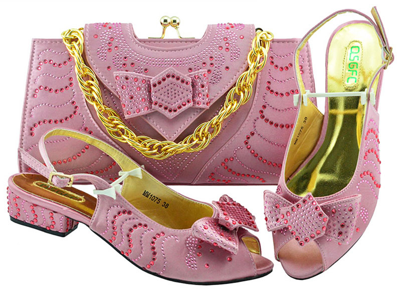 Newest Fashion Summer Decorated With Rhinestone Low Heels Shoes And Bag Fashion Pink color Italian Shoes And Matching Bag Set