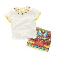 الفتيات موضة الملابس الراين قميص و تنورة الأزهار المطبوعة مع الكرة البيضاء خمر الفتيات ملابس الأطفال الصيف دعوى
