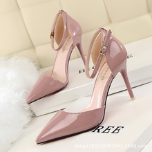 Fashion Style Ladies High Heels Pumps 2016  Patent Leather Sandals Thin Heels Women Shoes 6 Colour