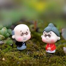 2Pieces Pastoral Happy Grandparents Dolls Home Pots Miniature Decoration Grandpa Grandma Fairy Garden Ornaments Figurine Decor