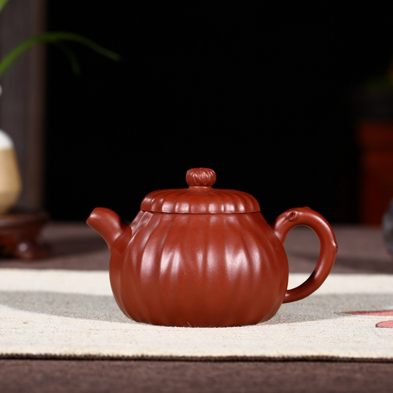 Manual dahongpao jin wen pear-shaped pot of daily provisions wholesale tea kettle product to sell the real thingManual dahongpao jin wen pear-shaped pot of daily provisions wholesale tea kettle product to sell the real thing