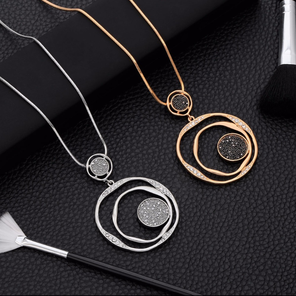 Luxury Black Crystal Pendant Necklace Gold Sweater Chain Big Circle Round Pendant Long Necklace Women Jewelry Accessories Gifts