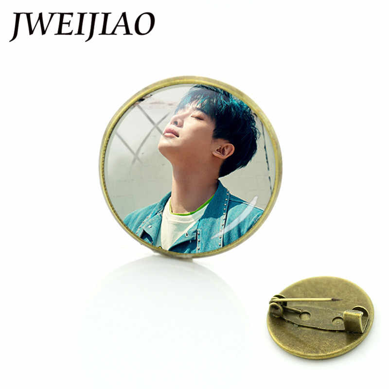 JWEIJIAO Korean MONSTA X Brooches Album The 1st World Tour Shinee Forever Badge Pins Breastpin For Clothes Hat Backpack MN07