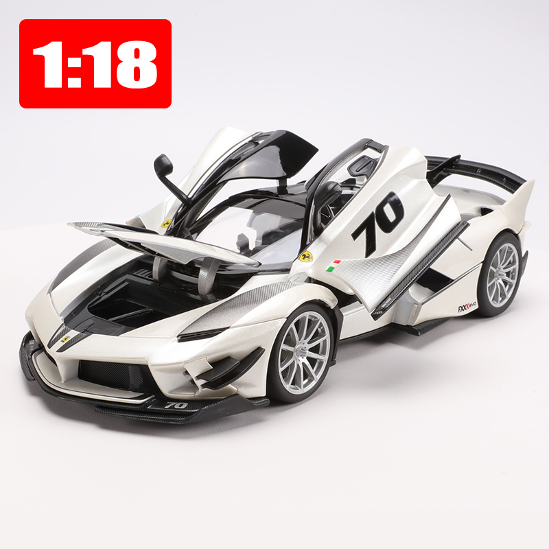 Bburago 1 18 White Sports Car Alloy Static Car Model FXXK Toys Limited Edition Locomotive Office