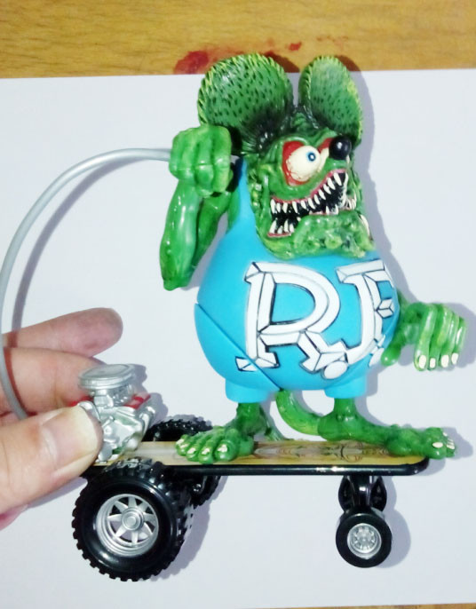 PUNK RF Rat Fink sidewalk surfer Action Figure decoration Doll Fink 13cm Box 37*25cm terror cartoon Halloween key chain d12 ontario knife rat 1