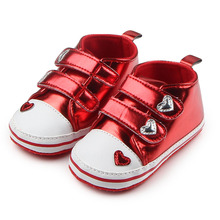 New Fashion Shiny Heart Pattern Leather Soft Sole Design Toddler Prewalker Baby Girl Dress Shoes For 0-15 Months