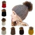 Venta caliente de Corea de La Muchacha Grande del Bulbo Piloso Botones Tejer Sombrero de Invierno Cálido Cap Elegante Lindo Tocado Femenino