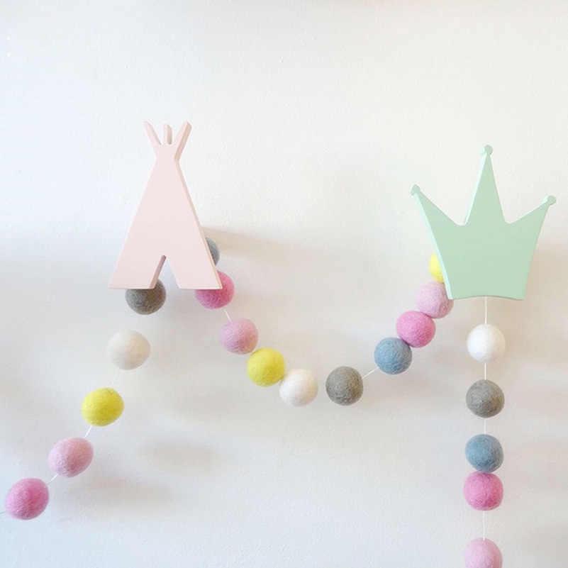 30 stücke DIY Wolle Filz Kugeln 2 cm Handgemachte Kinderzimmer Wand-dekor hängen Kindergarten Pom Pom Girlande Besten Geschenke Für Kinder Zimmer Ornament