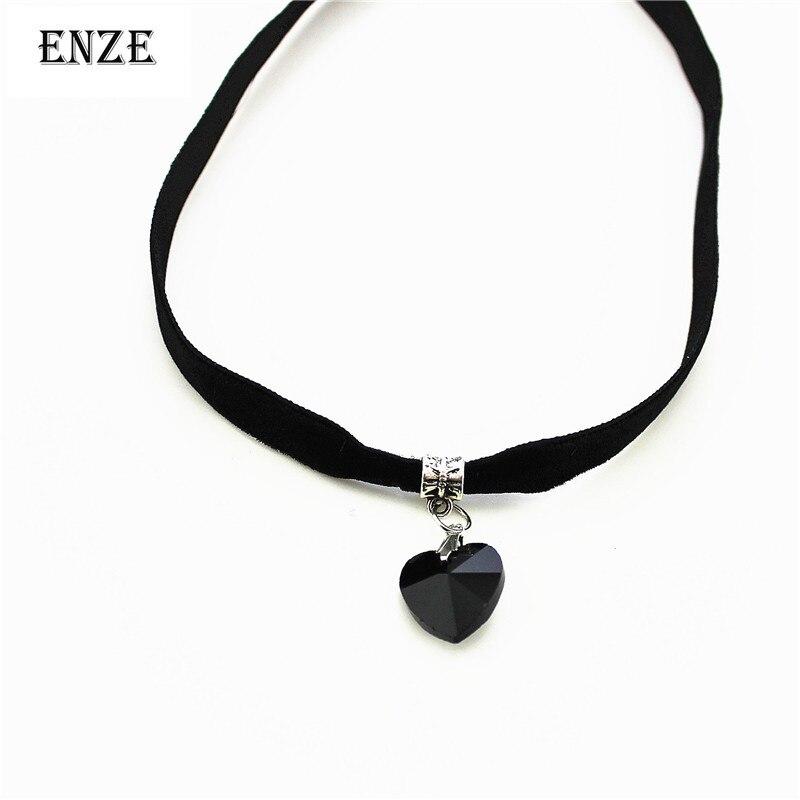 Free Shipping Heart shaped pendant Harajuku retro lace short Gothic Velve necklace Christmas present