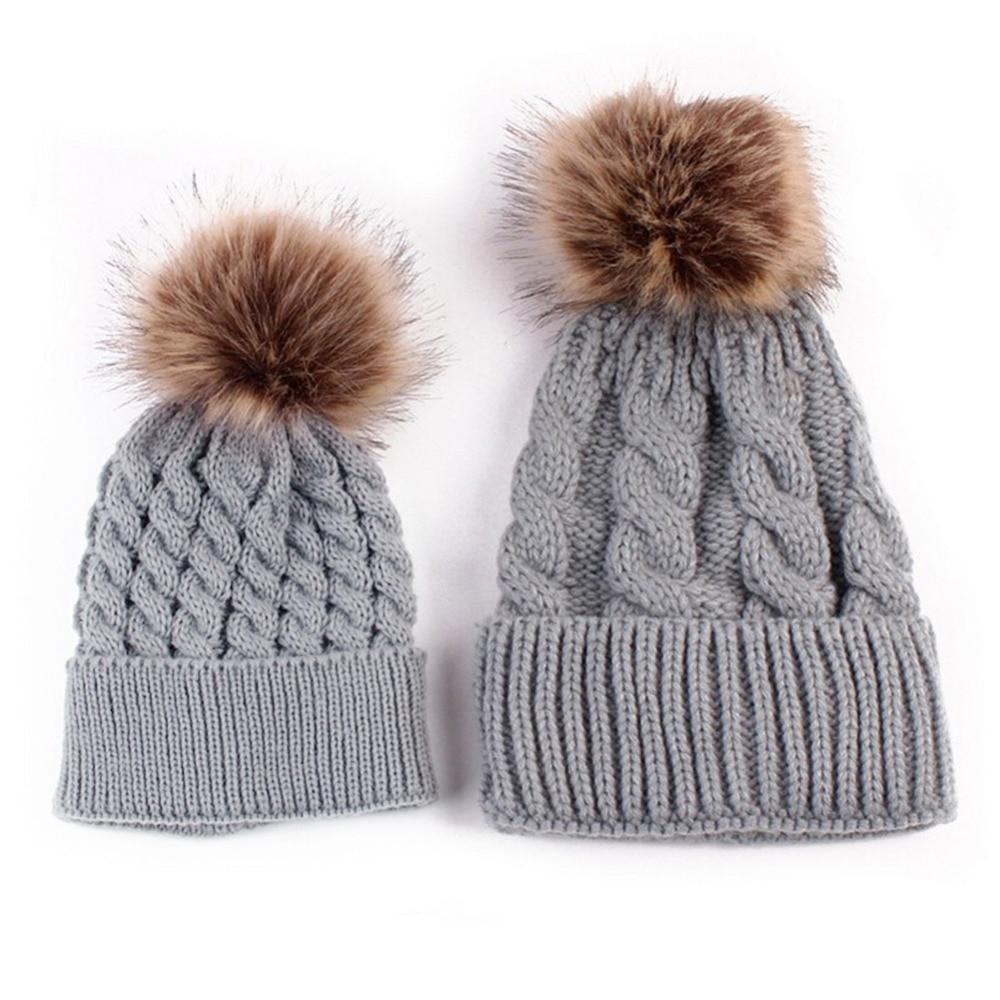 2 PCS Madre Scherza il Cappello di Inverno Delle Donne Del Bambino Delle  Ragazze Dei Ragazzi Caldi Del Crochet Berretti di Pelliccia di Volpe Pompon  ... 6b4229695151