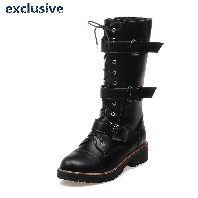 ФОТО Buckle Motorcycle Boots 2017 Winter Mid-Calf Short Plush Lace-Up Fashion High Boots Black White Buckle Thick With Woman Shoes