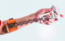 Fantasma Spostare Card-Trucco Magico, Close Up Magic, Mago Professionista Poker Dispositivo, Carta di Fuga, trucco, Illusioni, Divertimento