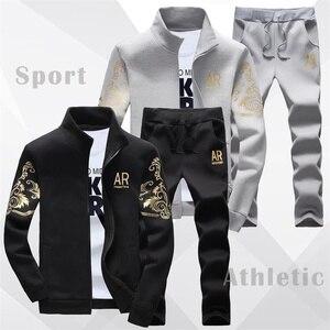 لنا حجم الرجال مجموعة الملابس أزياء 2019 عارضة رياضية الرجال بذلة رياضية الذهب-طباعة الكلاسيكية البلوز سترة و بنطال رياضي الذكور