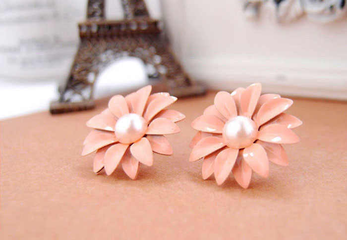 Women drop earrings  Lady Lovely Daisy Flower Pearl Stud Earrings Ornament Decoration pendientes mujer