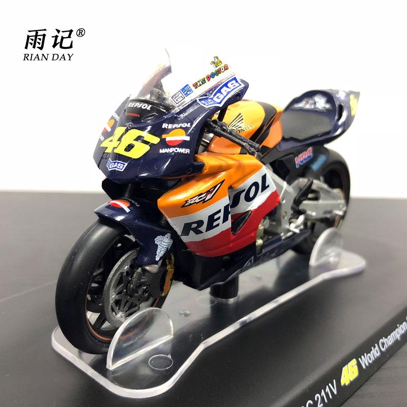YJ 1/18 Весы мотоцикл модель Игрушечные лошадки Honda RC 211 В 46 чемпион мира 2002 литья под давлением Металл мотоциклов Модель игрушки для подарок/Ко...