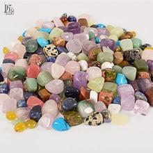 Pedra de pedra preciosa em massa, pedras preciosas e cristais de cura chakra misturadas