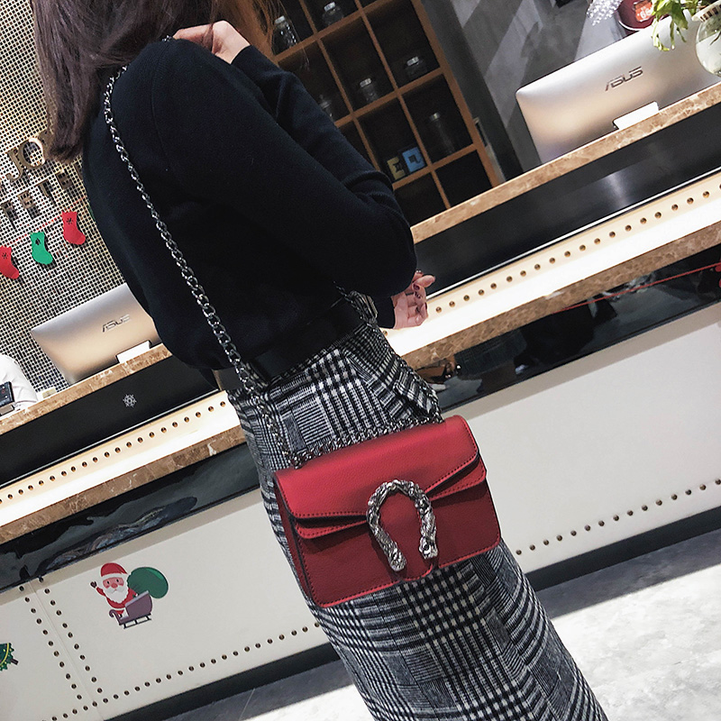 2018 Chains Women Shoulder Bags Small Black Fashion Women Bags Candlelight Leather Small Flap Bags Diagonal Lady Girls Handbags 1