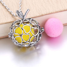 Golden Apple Newest Arrival Retro Locket Pendant fit with 18mm Felt Pads Fashion Essential Oil Diffuser Necklace 040525(China)