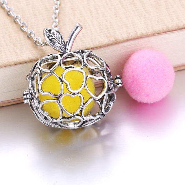 Golden Apple Newest Arrival Retro Locket Pendant fit with 18mm Felt Pads Fashion Essential Oil Diffuser Necklace 040525