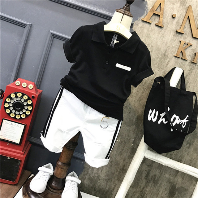 2ชิ้นเด็กชายฤดูร้อนเสื้อผ้าชุดเด็กสีดำเสื้อเชิ้ตและสีขาวสั้นชุดเด็กแฟชั่นเปิดลงปกแขนสั้นท็อปส์2 7ครั้ง