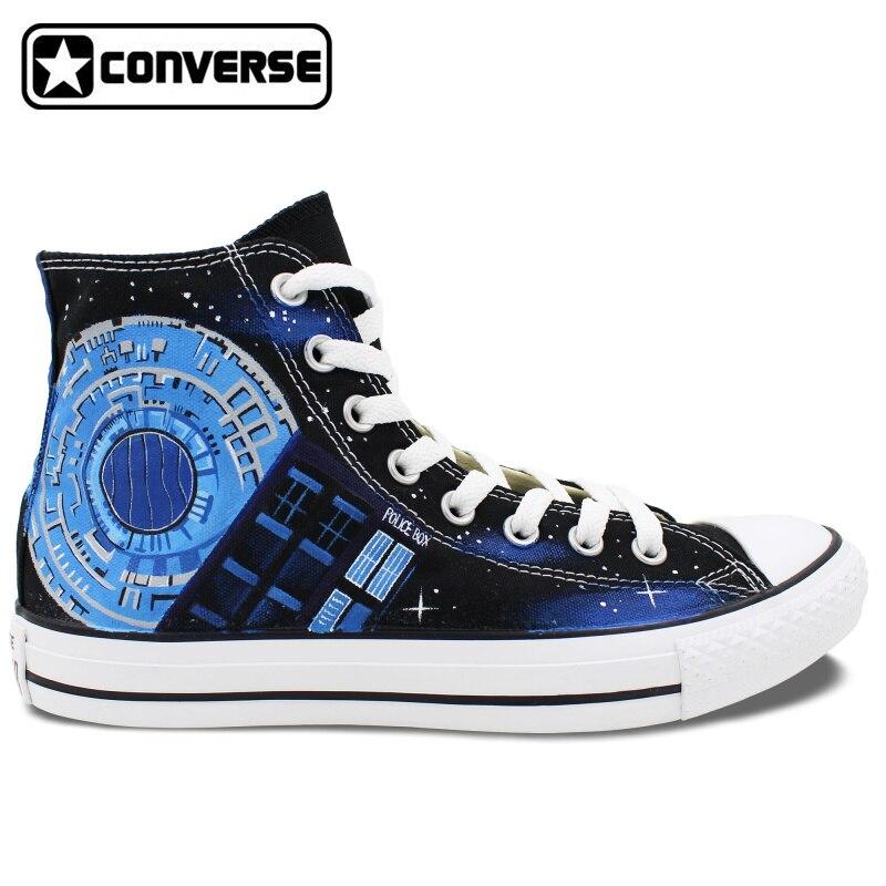 Prix pour Design Personnalisé Boîte de Police Galaxy Converse All Star Femmes Hommes Chaussures Peint À La Main Toile Planche À Roulettes Chaussures Toile Sneakers