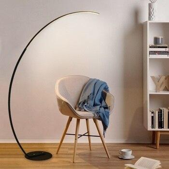 Design fino conduziu a lâmpada de assoalho com braço longo em preto ou branco/led regulável com controle remoto