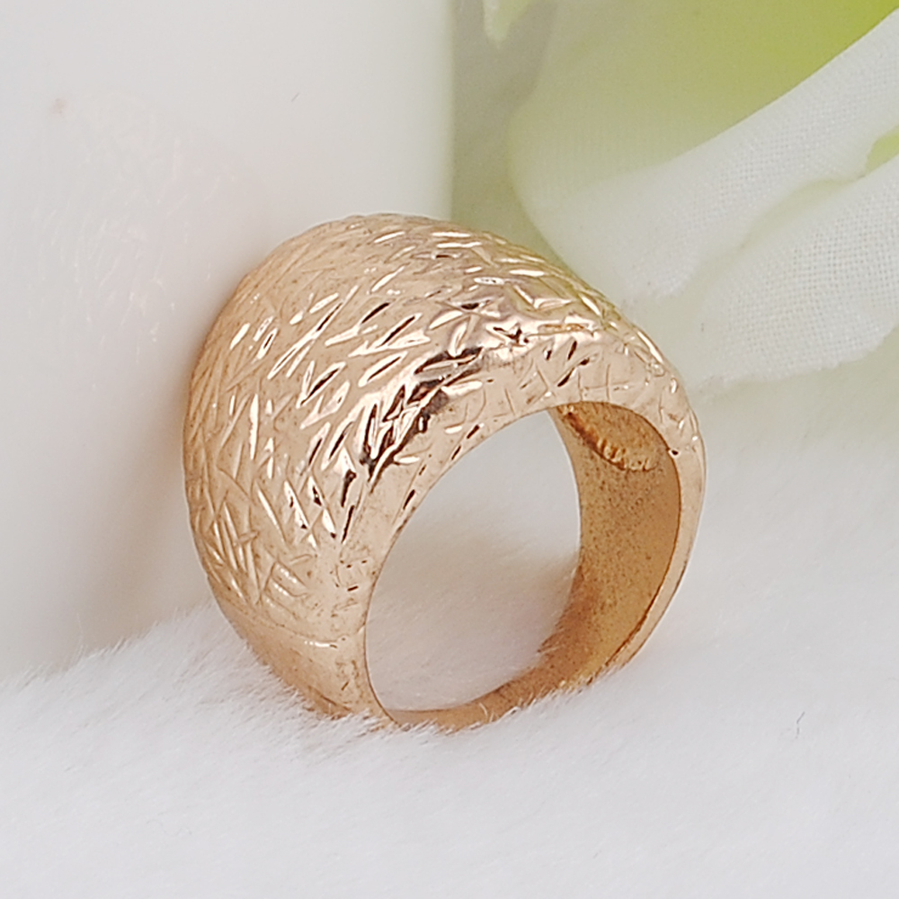 Charm Etched Alloy Plating KC Gold Ring Wedding Ring in Rings from Jewelry Accessories