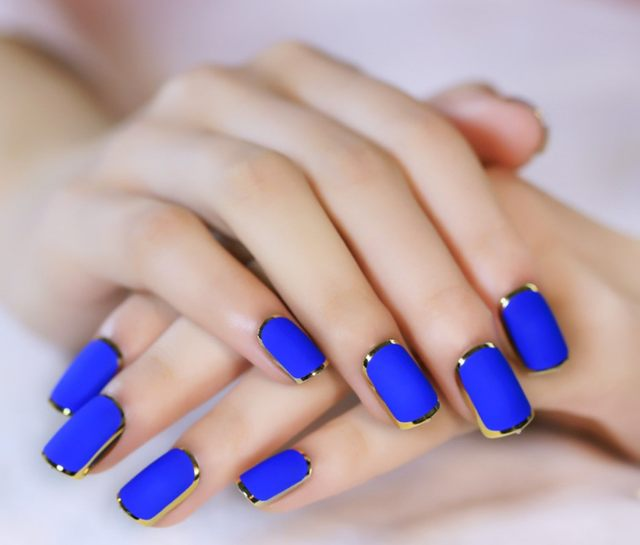 2017 New Royal Blue Matte Artificial Nail Tips Metallic Side Gold Fake Nails High Quality Faux Onlges Full Cover False 24pc