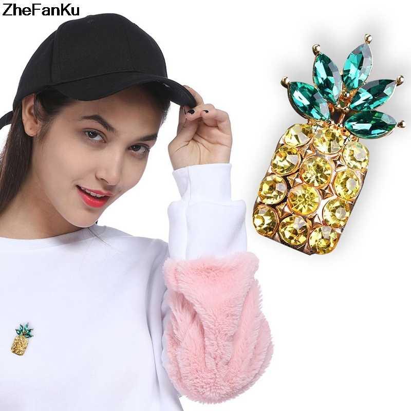 2018 Penjualan Panas Kuning dan Hijau Kristal Berlian Imitasi Buah Nanas Bros Pin untuk Wanita Bros Pin Bijoux Buah Bros