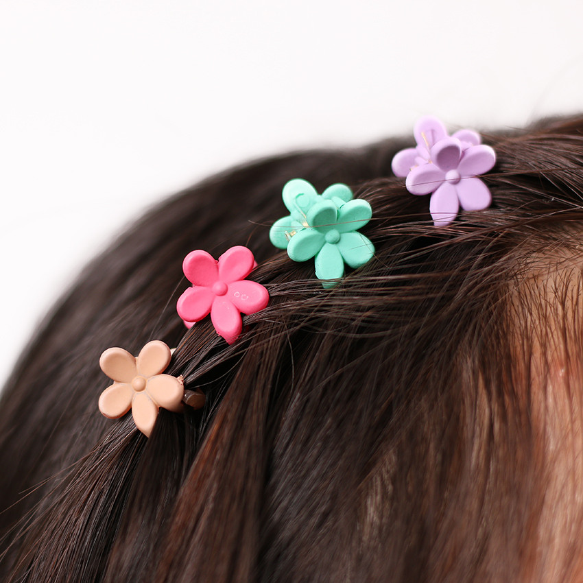 HTB1MWnyOXXXXXcDXFXXq6xXFXXXz Cute Girls Multicolored Small Flowers Fashion Clip Clamps - 16 Colors