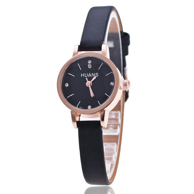 7aca624834e Relogio feminino reloj mujeres 2016 delicado mini rhinestone pequeño dial  correa de cuero relojes de cuarzo reloj de señoras en Relojes de mujer de  Relojes ...