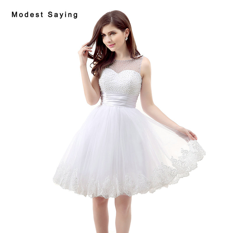 2017 New Elegant White Short Lace Cocktail Dresses With Pearls Bodice Girls Formal Ball Gown Party Prom Gowns Vestidos De Coctel