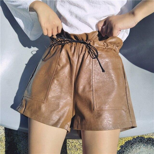 PU En Cuir Shorts Femmes 2017 Automne Hiver Vintage Poches Cordon pantalon  Large de Jambe Taille 2402bf4df92