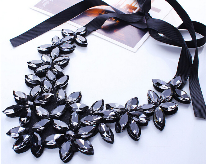 Women Rhinestone Geometric Pendant Choker Bib Statement Black Ribbon Necklace