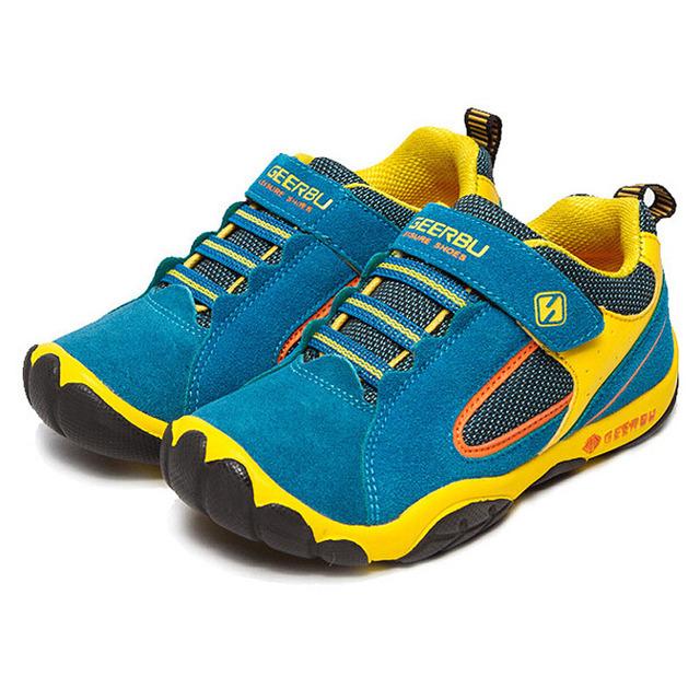 2016 venta caliente chicos chicas deportes shoes resistencia al deslizamiento suela de goma niños walking shoes primavera otoño de los niños zapatillas de deporte de moda