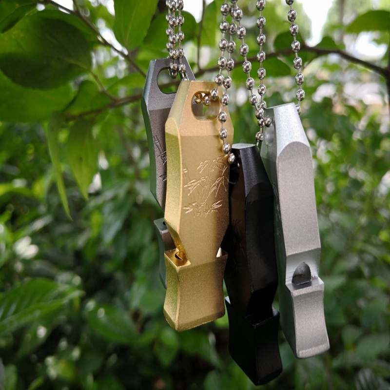 150db Camping&HIking Keychain Whistle High Decibel Stainless Steel Outdoor Emergency Survival Whistle Keychain