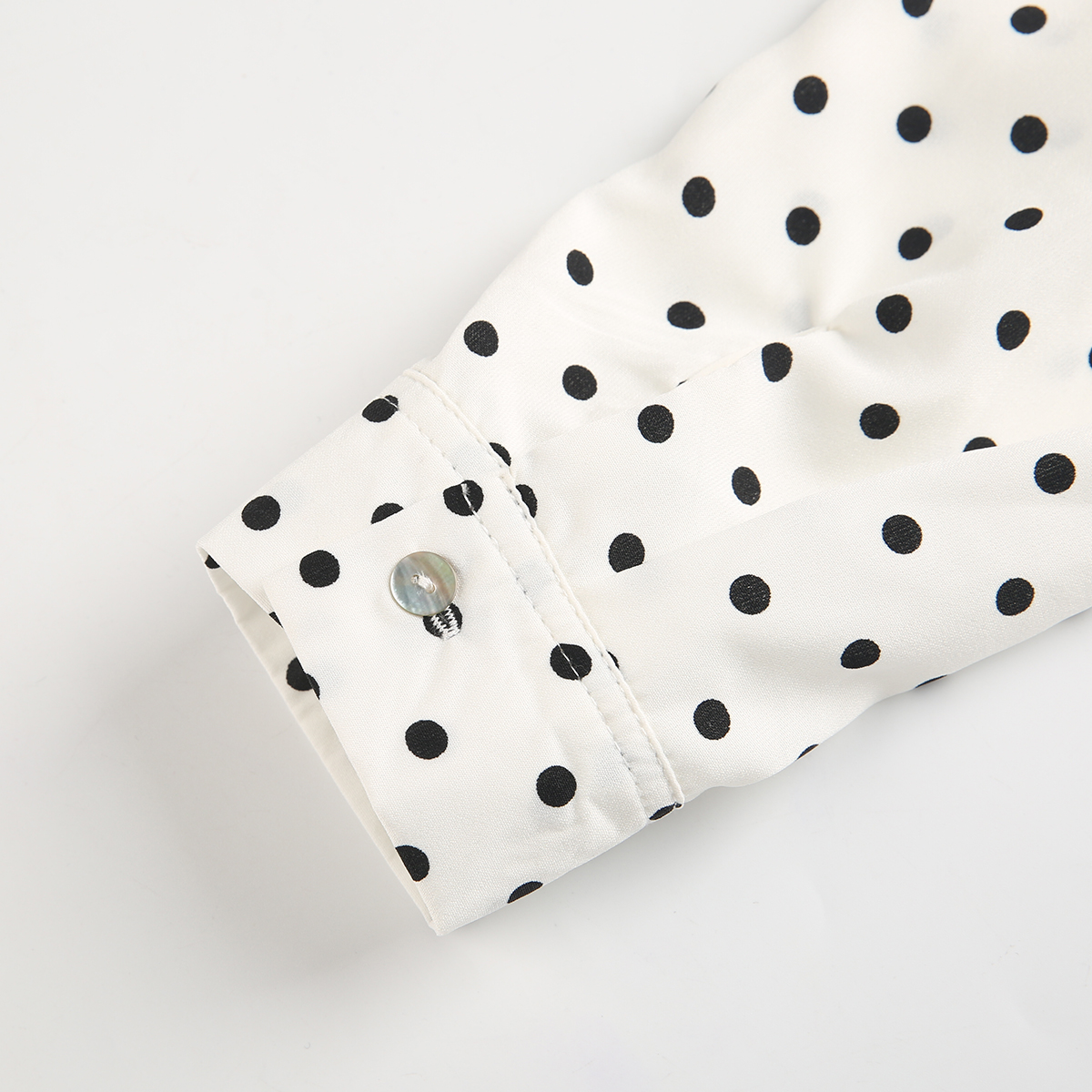 MCO New Basic Polka Dot Print Plus Size Women Blouse Casual Oversized Top Big Women Clothing Simple Spot Loose Shirt 5xl 6xl 7xl 4