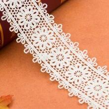 Вышитая кружевная ткань молочного шелка для шитья кружева белого