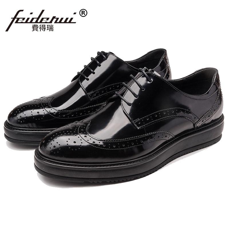 British Style Flat Platform Man Formal Dress Brogue Shoes Patent Leather Carved Oxfords Round Toe Men's Wing Tip Footwear HJ84