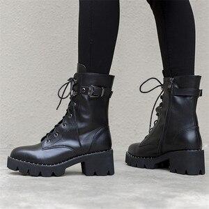 Image 5 - FEDONAS جديد النساء حذاء من الجلد جلد طبيعي الخريف الشتاء الدافئة عالية الكعب أحذية امرأة جولة تو الصليب تعادل دراجة نارية الأحذية