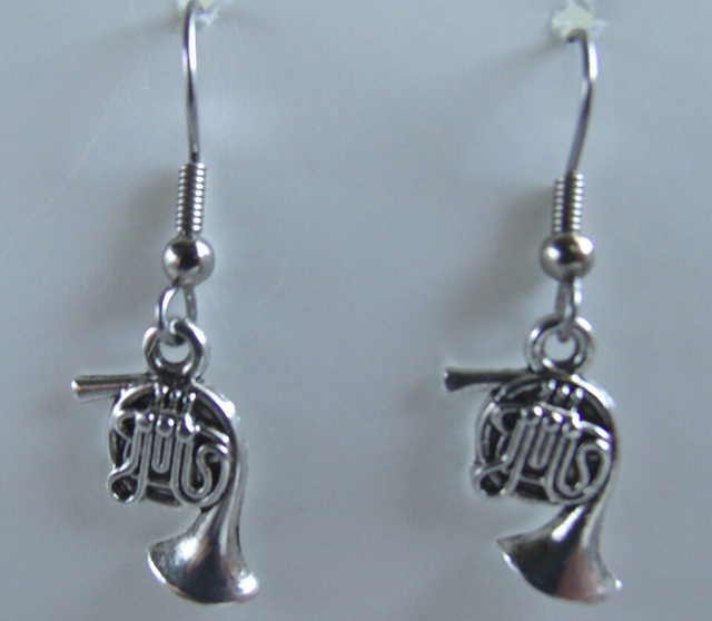 Hot 50pair Lot Vintage Ancient Silver Cute French Horn Charm Pendants D Earrings Diy Fashion
