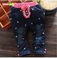 O envio gratuito de Primavera das crianças do bebê roupas de inverno menina doce estilo denim jeans casual calças bowknot embroid