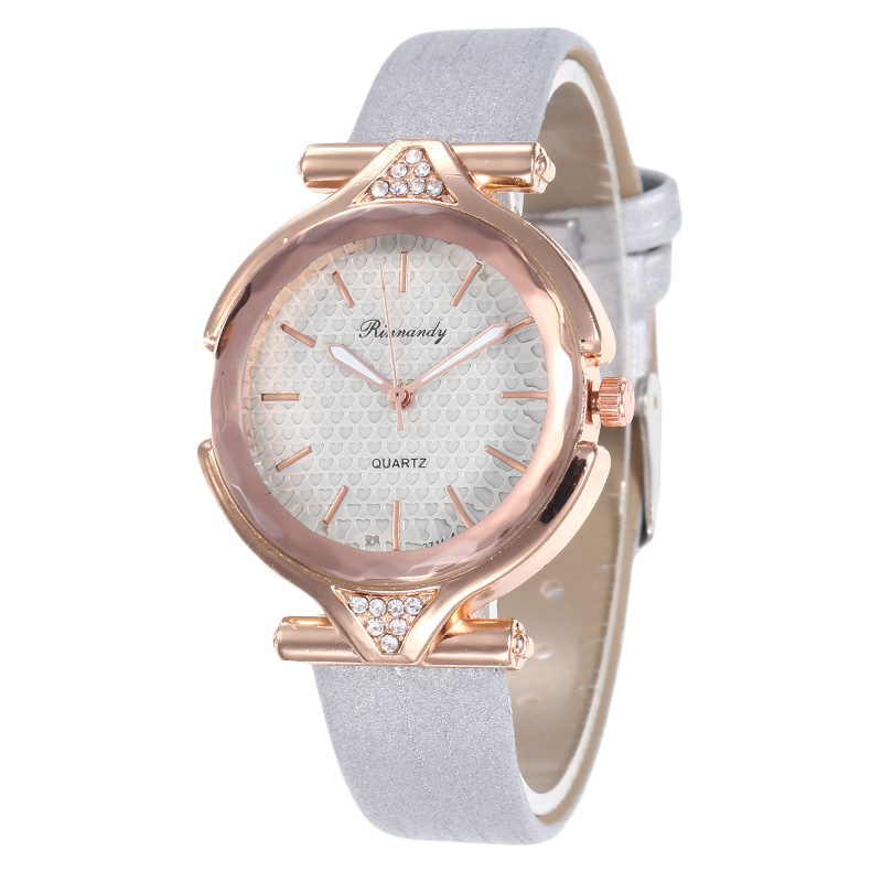 Simple Exquisite Diamond Women Watches Luxury Fashion Ladies Wrist Watches Brand Classic Design Woman Quartz Clock Montre Femme in Women 39 s Watches from Watches