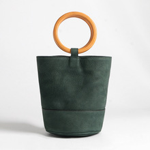 цена на Metal Ring Hand Bucket For Women Vintage Style Genuine Leather Shoulder Bags Sac Female Fashion Show Carry Packet Wood Ring Bag