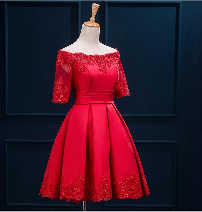 8d87ec98541 US $58.77  Autunno abiti rossi damigella d'onore abiti corti stile spalla  parola pizzo abito da damigella d'onore slim fit prom dresses ROM80019 in  ...