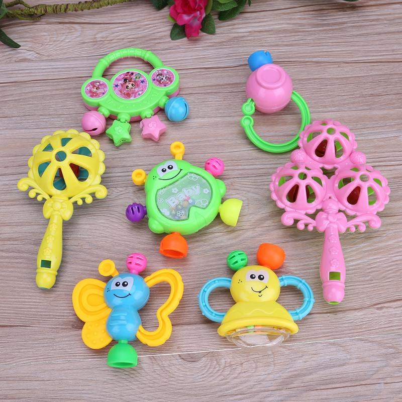 7pcs/set Plastic Hand Jingle Shaking Bell Newborn Baby Rattles Toy Indfant Teether Toy Kids Dumbell Grasp Hand Bells Music Sound