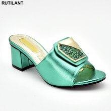 Nieuwe Collectie Italiaanse Stijl Womens Dress Schoenen Open Teen Slip Op Vrouwen Bruiloft Pompen Vrouwen Schoen Hoge Hak Dames Sandalen met Hakken