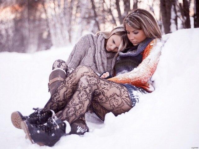 Сексуальные девушки снег