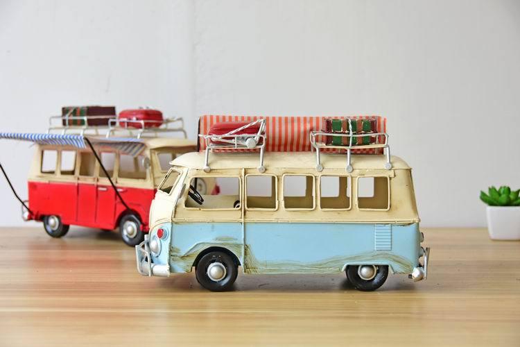 Travel Dining Car Model Photo Props Creative Gift Retro Metal Handicraft Desktop Home Decoration Iron Cast Bus Model in Figurines Miniatures from Home Garden