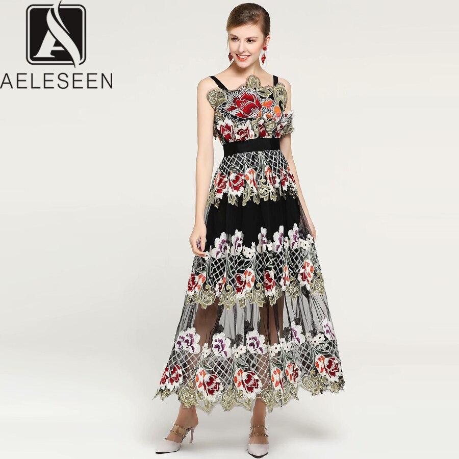 Kadın Giyim'ten Elbiseler'de AELESEEN Boho Tasarımcı Elbise 2019 Yaz kadın Spagetti Kayışı Çiçek Nakış Örgü Patchwork Orta Buzağı Zarif Plaj Elbise'da  Grup 1